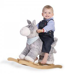 Kaloo kolekcija Les Amis uključuje prijateljske životinje u nježnim bojama koje su slađe nego ikad i spremne za igru s mališanima.    Njihalica u obliku magarca pod nazivom Regliss savršen je pratitelj djeci od 18 mjeseci starosti na više, jer im kroz igru pomaže u jačanju ravnoteže i razvijanju motoričkih vještina. Udobna sjedalica s naslonom pružit će sigurnost vašem djetetu prilikom mnogobrojnih sati veselog njihanja. Njihalica je izrađena od kvalitetnog drveta i najkvalitetnijeg pliša u sivoj, plavoj i bijeloj boji, kako bi bila sigurna, a ujedno meka na dodir.