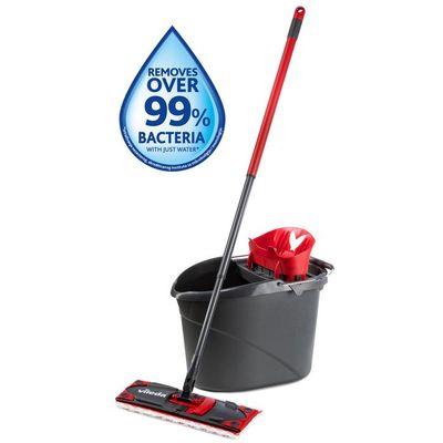 Vileda UltraMax set Box Vileda UltraMax set - Premium komplet za čišćenje podova, koji se sastoji od: plosnatog brisača s drškom jedinstvene kante s cjedilom za snažno iscjeđivanje. Mikro-vlakna navlake omogućuju vrlo djelotvorno uklanjanje...