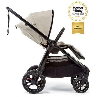 Upoznajte Mamas& Papas Ocarro kolica. Spoj prekrasnog dizajna, vrhunske udobnosti i praktičnosti.  Mamas&Papas Ocarro kolica dobila su zlatnu nagradu dvije godine zaredom za najbolja kolica 2020. i 2021. godine na prestižnim Mother & Baby Awards 2020./2021.