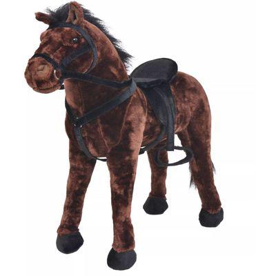 Vrijeme za igru bit će puno zabavnije s ovim vjerodostojnim plišanim konjićem na kojeg se može sjesti! Ova mekana i mazna igračka konjića s detaljnim karakteristikama sastoji se od čvrstog čeličnog okvira i visokokvalitetne plišane tkanine....
