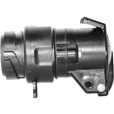 Kratki adapter iz TFA omogućuje spajanje 7-pinskog utikača na 13-pinsku utičnicu u vozilu. Adapter se može okretati za praktičnu upotrebu.Ovaj tekst je strojno preveden.