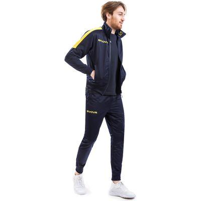 Givova trenirka Revolution, dizajnirana posebno za one koji traže udobnu sportsku odjeću po vrlo povoljnoj cijeni