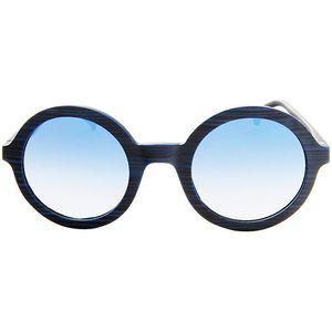Ako želite imati najnovije <b>modne artikle i dodatke</b> i te finese su od iznimne važnosti za vaš imidž, nemojte propustiti <b>Ženske sunčane naočale Adidas AOR016-BHS-021</b>! Pravite se važni s najboljim brendovima <b>sunčanih naočala</b>.Spol: Dam...