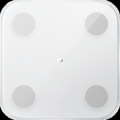 S razlogom ovaj uređaj nazivamo najpouzdanijim trenerom za cijelu obitelj.        Omogućuje precizne statističke podatke: tjelesna težina, BMI, tjelesna masnoća, udio vode, bazalni metabolizam, visceralna masnoća, mišići, koštana masa, tip tijela te ukupni tjelesni rezultat.        Prava snaga ove inteligentne vage je u Mi Fit aplikaciji koja će pomno pratiti sve vaše parametre te Vas savjetovati što trebate napraviti.        Privlačan dizajn, elegantna bijela boja i jednostavno rukovanje uređaja čine ga neizostavnim u Xiaomi obitelji.