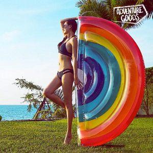 Ne zaboravite ovoga ljeta svoj novi i originalniMadrac na Napuhavanje Duga Adventure Goods! Uživajte u trenucima opuštanja ili zabave na plaži ili bazenu. Izrađen od plastike Maksimalna nosivost cca: 80 kg Sadrži flaster za...