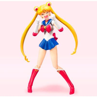 S.H. Figuarts. Size: 14cm. Articulated figure. Contains accessories.