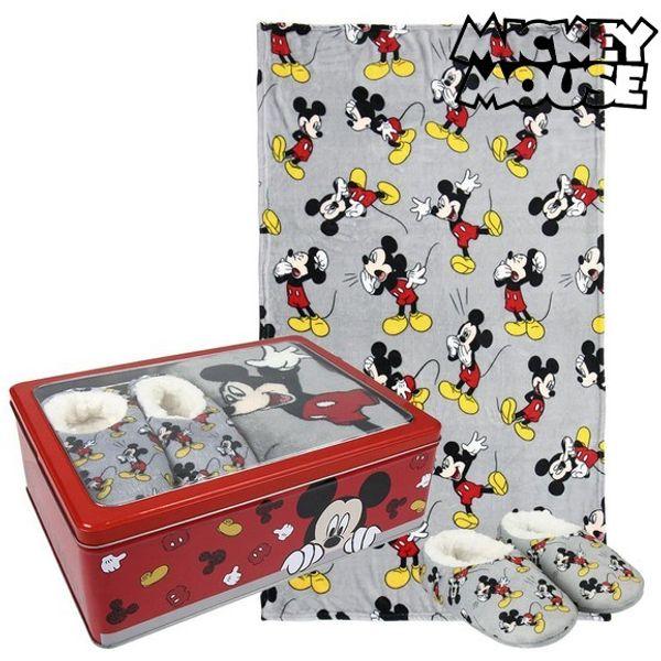 <html><html><html>Djeca zaslužuju najbolje, zato vam predstavljamo <b>Metalna Kutija s Dekom i Papučama Mickey Mouse 73668</b>, savršen za one koji traže kvalitetne proizvode za svoje mališane! Nabavite <b>Mickey Mouse</b> po najboljim cijenama!Boja: SivaSadrži: Kućnim ...</html></html></html>