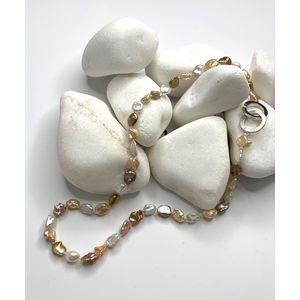 Biserna ogrlica sa srebrnom kopčom