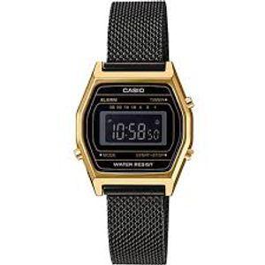 Casio Retro ženski sat LA690WEMB-1BEF je s razlogom jedan od najpopularnijih proizvoda iz CASIO kolekcije. Predivan ženski sat na kojem dominira zlatna boja kućišta te crna boja brojčanika. Nehrđajući čelik i crna boja remena doista su odlična kombinacija. Ovaj prekrasan CASIO ženski sat pokreće quartz mehanizam.